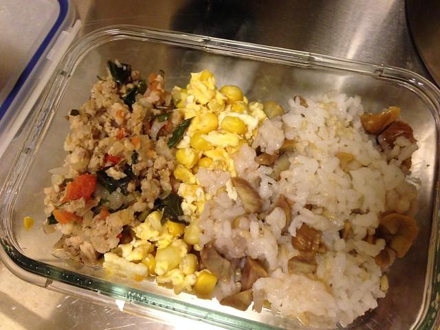 栗子炊飯+玉米炒蛋+打拋肉