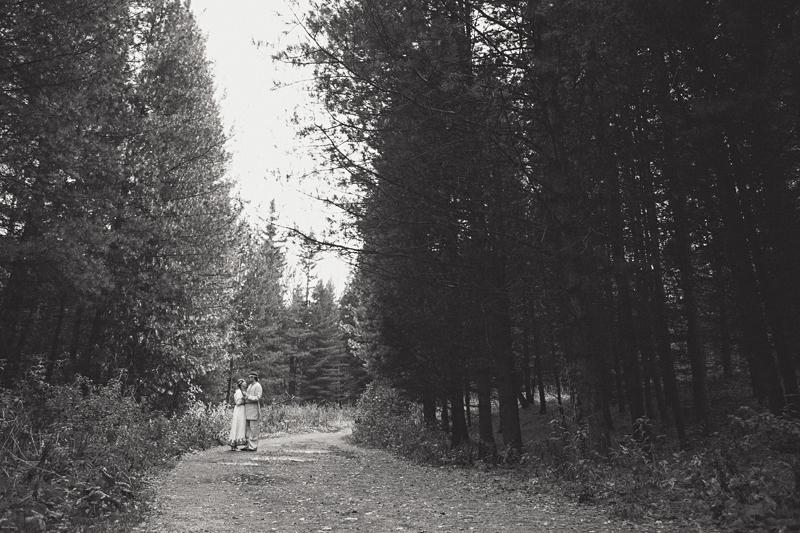 Фотосессия Lovestory, фотопрогулка на природе, фотограф Новосибирск, фотосессия на природе, осенняя фотосессия, влюбленная пара, предсвадебная фотосъемка