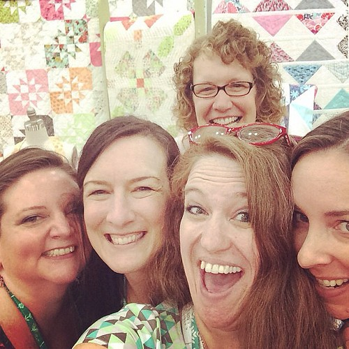 Hello Kate Spain! @katespain and my favorite girls @sallykeller814 @sillymamaquilts @bryanhousequilts