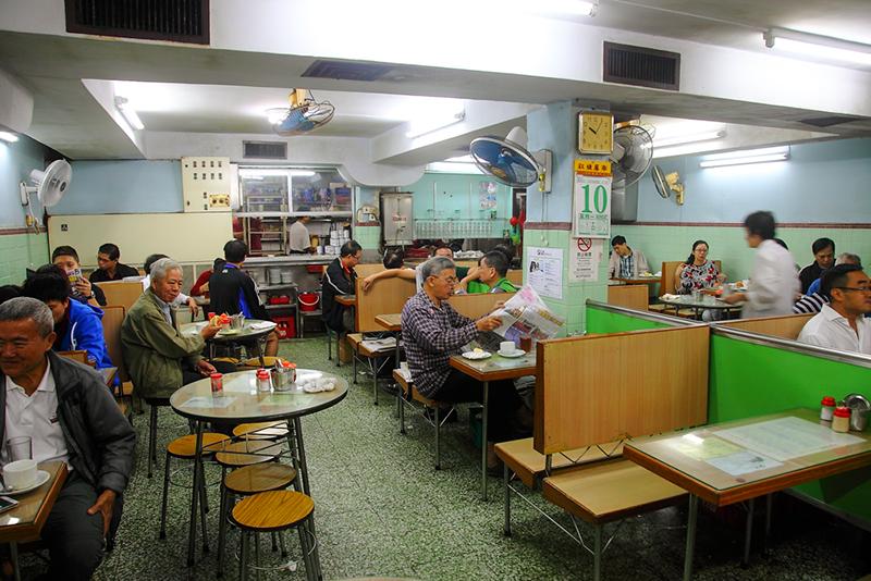 Cafe-Nam-Ping-interior