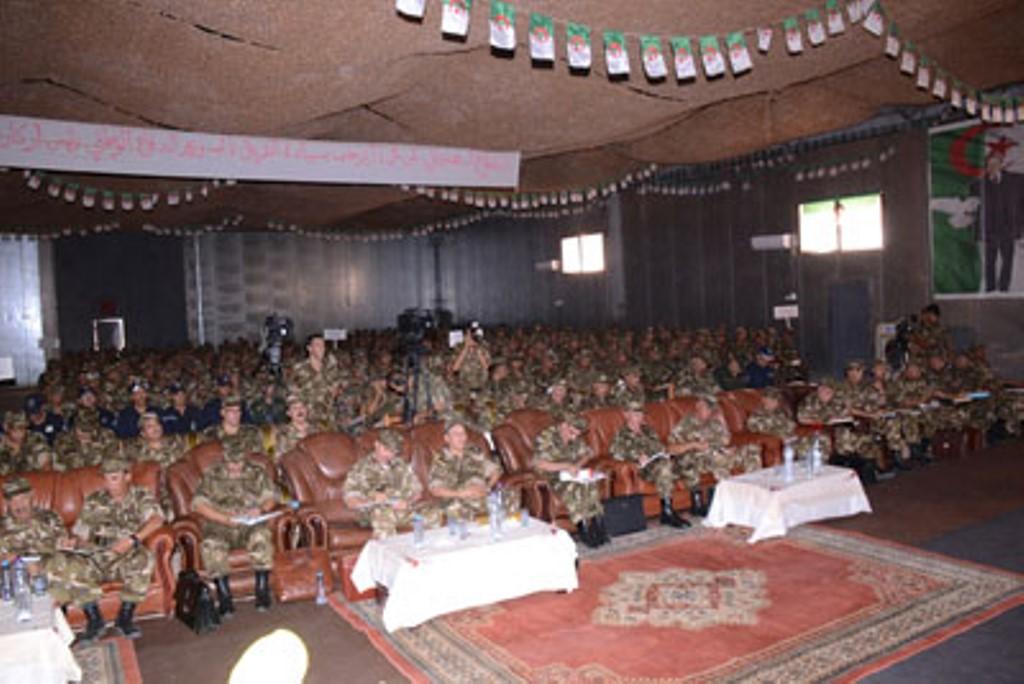 الجزائر : صلاحيات نائب وزير الدفاع الوطني - صفحة 4 30144812214_bb2ef85255_o