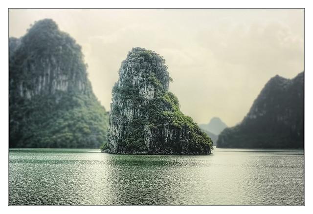 Quảng Ninh VN - Hạ Long Bay 09