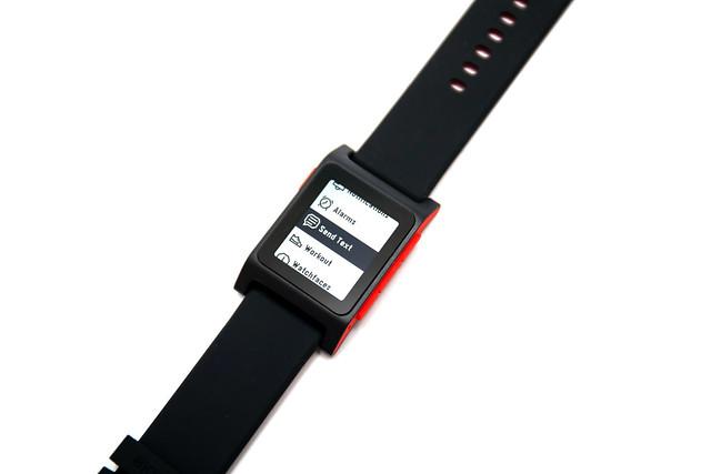 加上心跳偵測!Pebble 2 智慧手錶領頭羊改款 (1) 開箱 @3C 達人廖阿輝