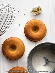 Sesame-Pistachio Doughnuts (1/3)