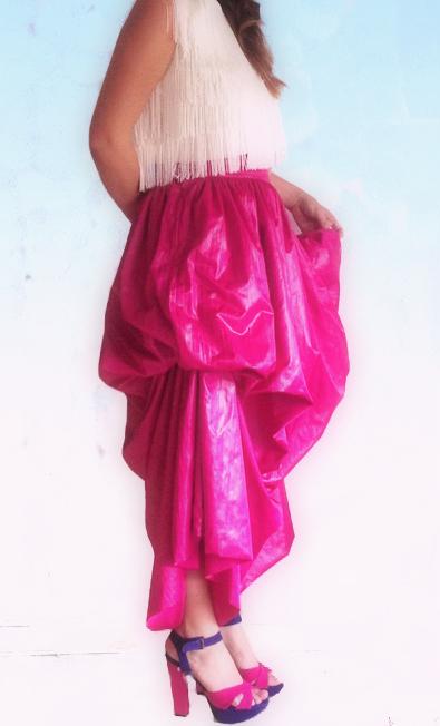 falda fucsia lateral