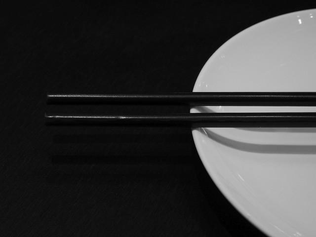 china_guangzhou_chopsticks02_bw