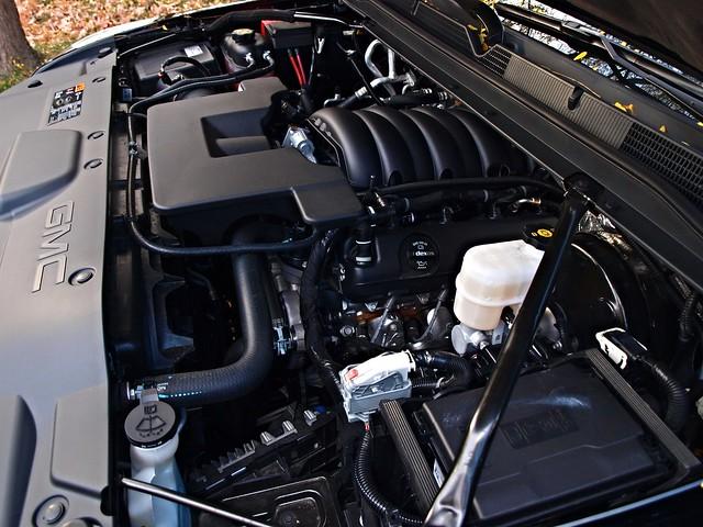 2015 GMC Yukon SLT AWD 015