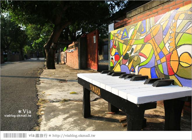 【台中霧峰景點】台中光復新村~可愛的造型椅林立、讓老眷村重新充滿新活力!37