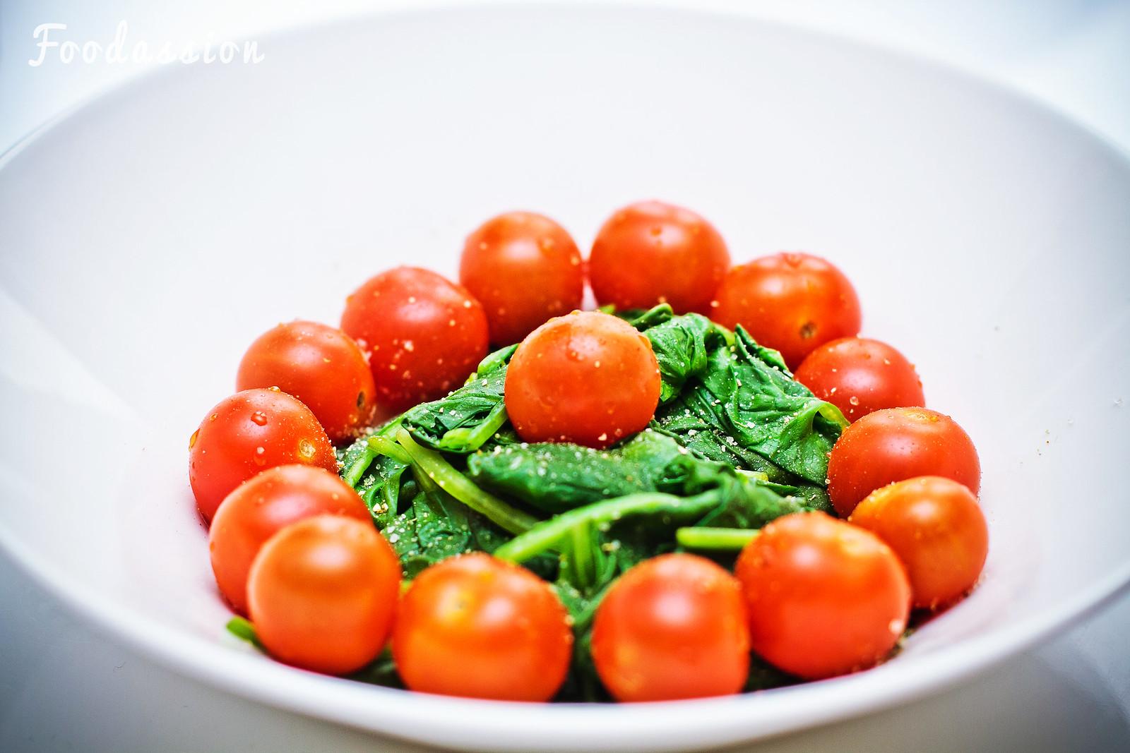 Tomaattia ja pinaattia