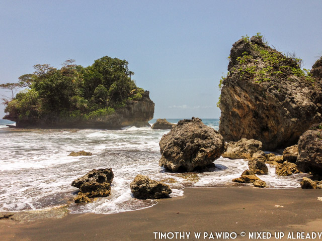 Indonesia - Pangandaran - Batukaras - Pantai Madasari (02)