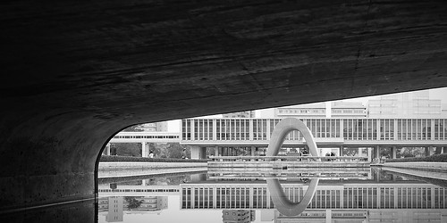 bw building water lines japan stairs blackwhite pond hiroshima mind refelction 広島市 hiroshimapeacememorialpark kenzōtange 広島平和記念公園 chūgoku hiroshimaheiwakinenkōen yalestudio