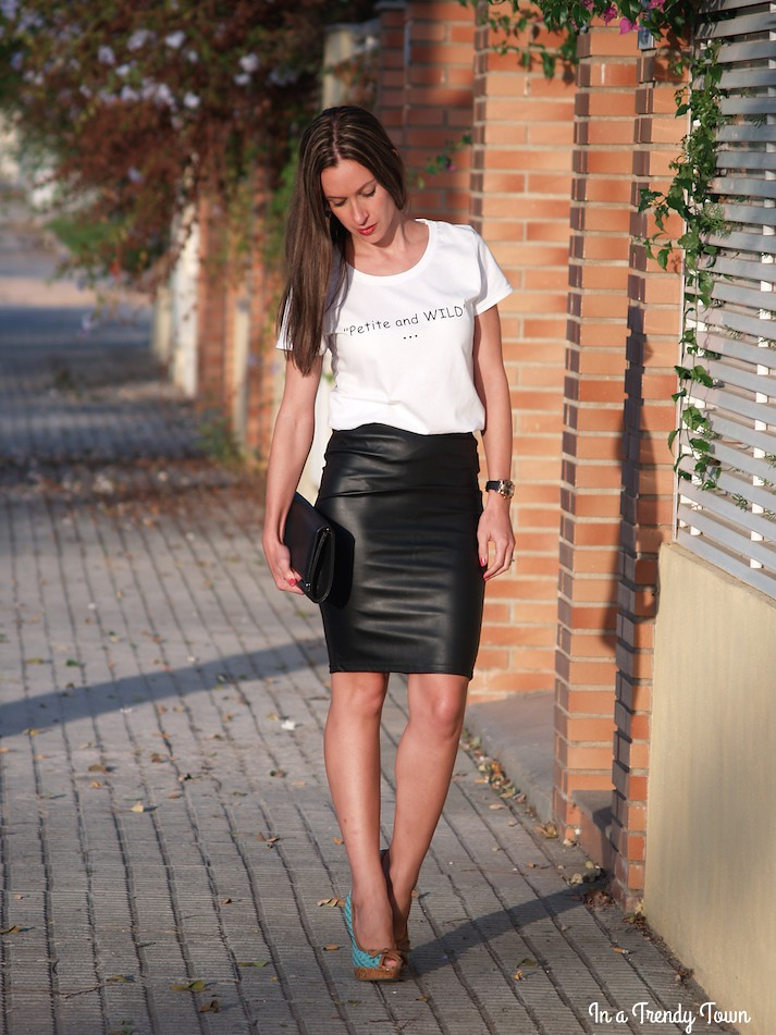 Outfit black and white In a Trendy Town blog