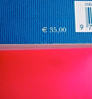 Adelphiana, AAVV. Concezione grafica di Matteo Codignola e Roberto Abbiati; impaginazione di Matteo Spagnolo; fotografie di Luca Campigotto. Quarta di copertina (part.), 3