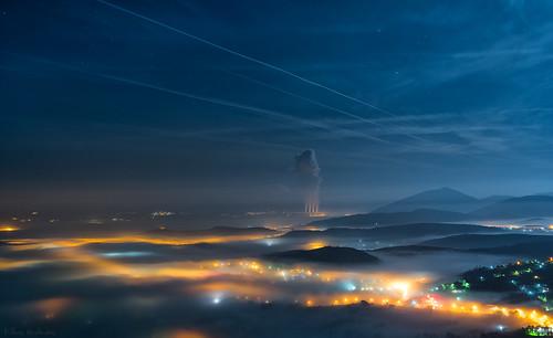 city sky fog stars lights nikon view greece d750 dei νύχτα ελλάδα kozani ομίχλη βράδυ θέα cotrails