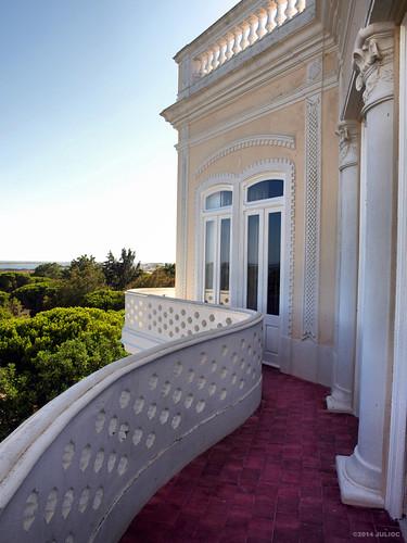 portugal architecture outdoor balcony algarve curve colonnade olhão j2549