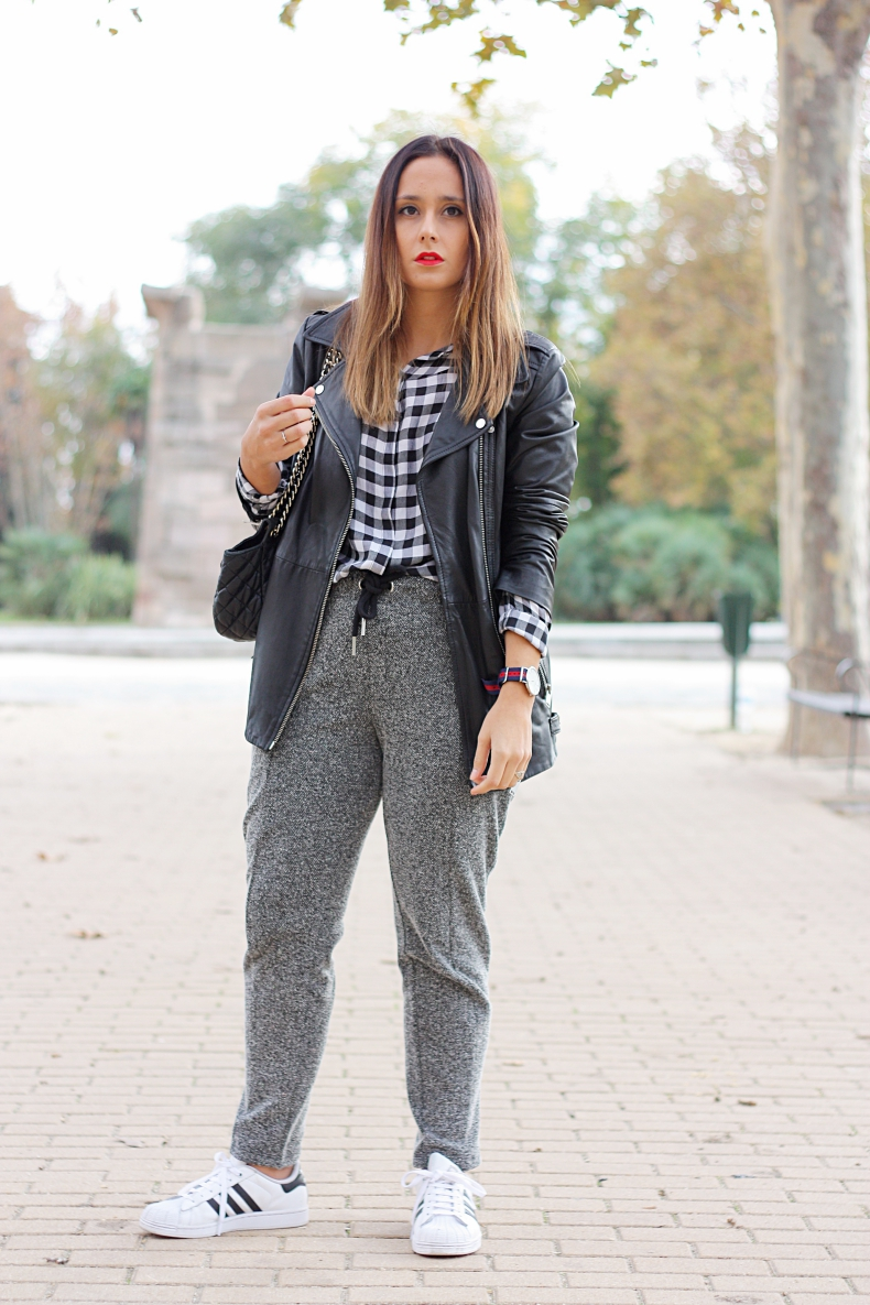 jogging_pants-leather_jacket-plaid_shirt-daniel_wellington-watch-street_style-outfit