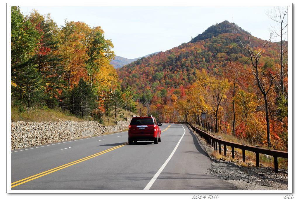 徒步秋色3-雲霧瀰漫的Vermont Camel's Hump山秋色