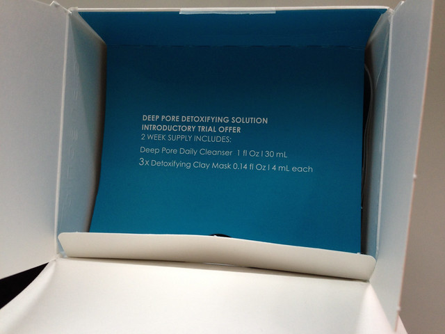 打開盒子會先看到這排字(讓我查個字典先⋯⋯XD)@科萊麗 (Clarisonic) mia2 洗臉機