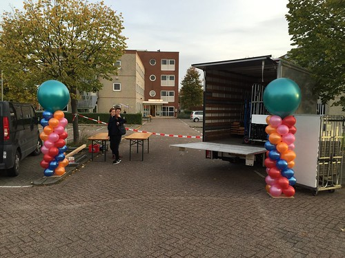 Ballonpilaar Breed Rond Medisch Centrum Hoogvliet Rotterdam