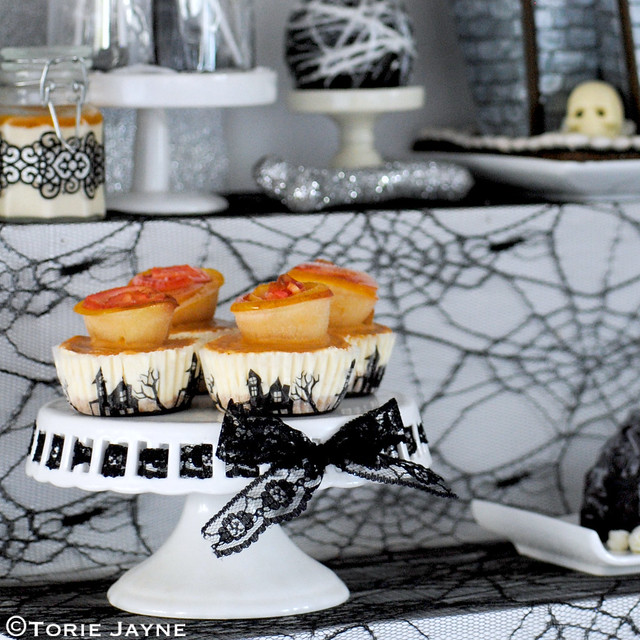 My 'Gothic Glamour' dessert table 3