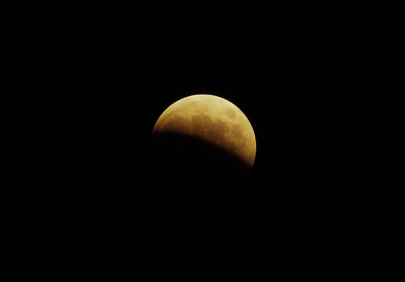 皆既月食 Celestial show  Total lunar eclipse 2014.10.08  Japan / Tokyo