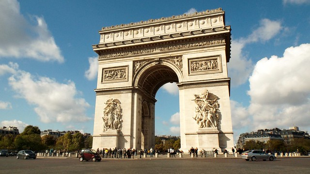 Arc De Triomphe by CC user oatsy40 on Flickr
