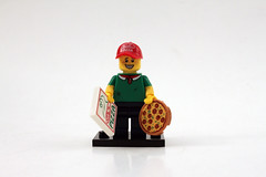 LEGO Collectible Minifigures Series 12 (71007) - Pizza Delivery Man