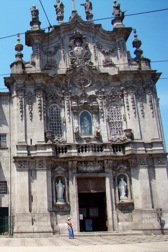Do Carmo Facade - Porto