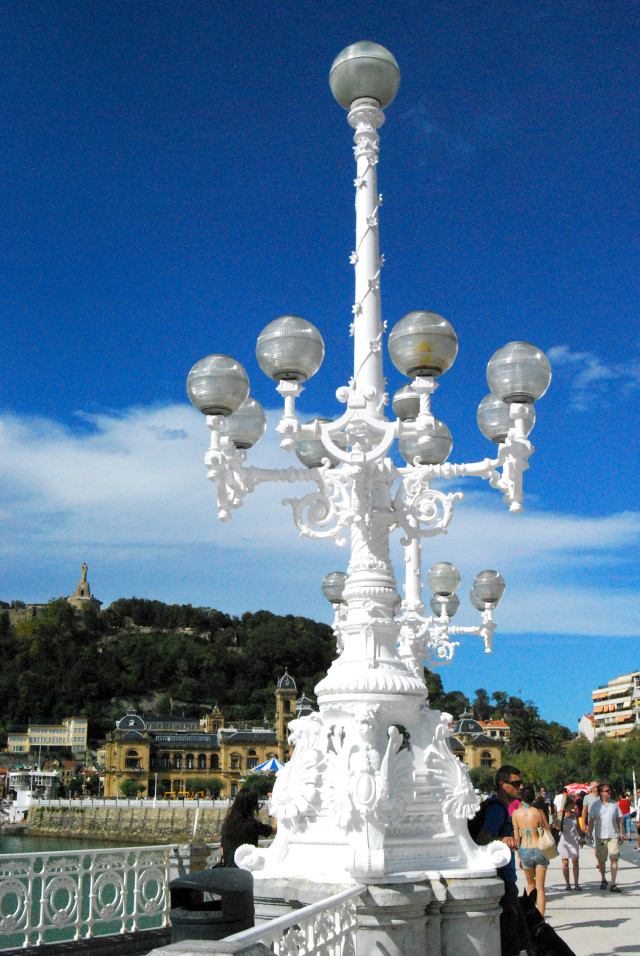 San Sebastián Lamposts