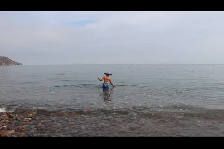 0771 Video of wading in Prisoners Harbor on Santa Cruz Island