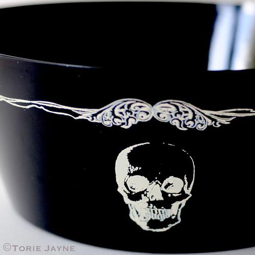 Large skull printed bowl