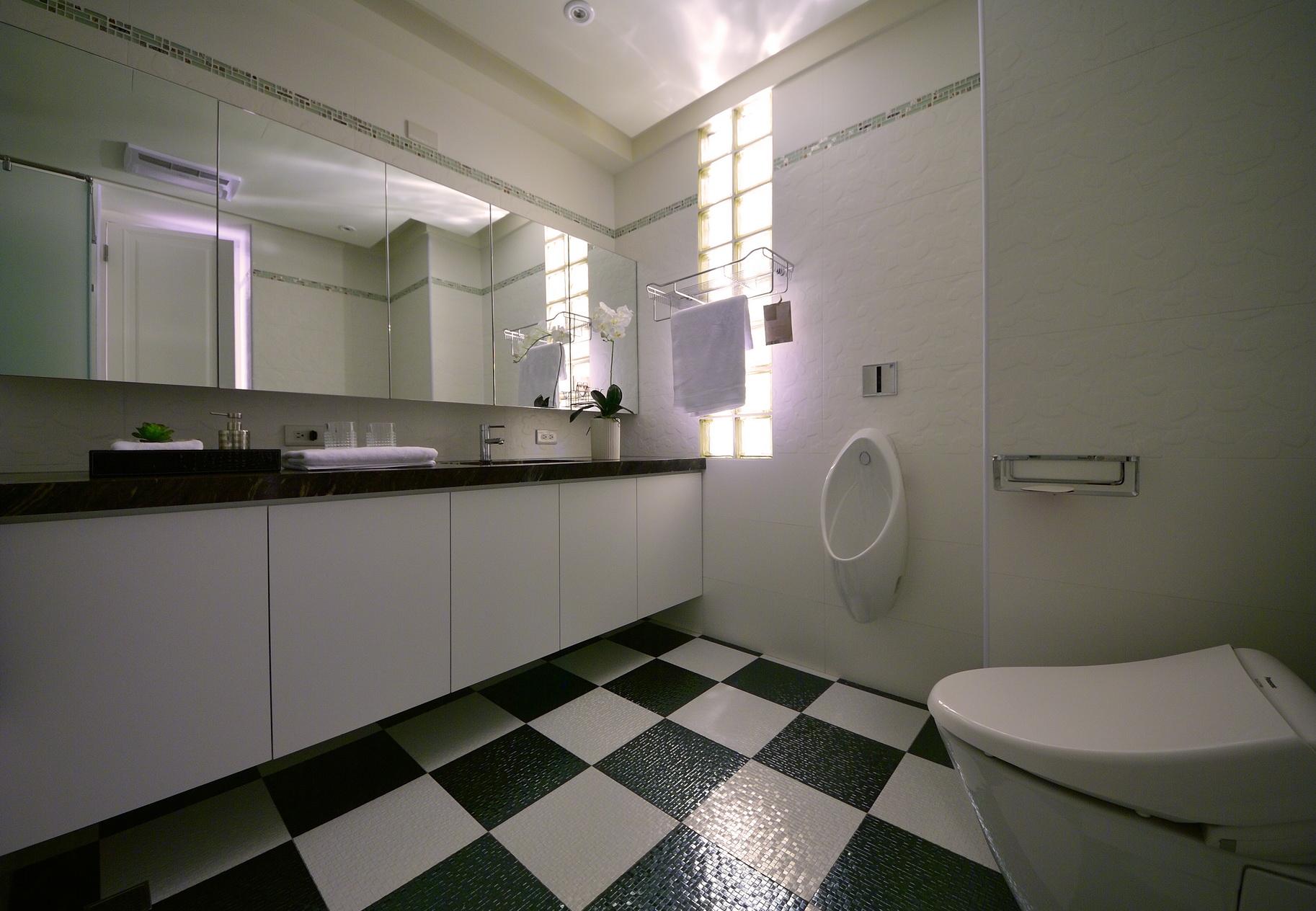 【住宅設計】林口冠東方黃公館-美式簡約居家風主衛浴2