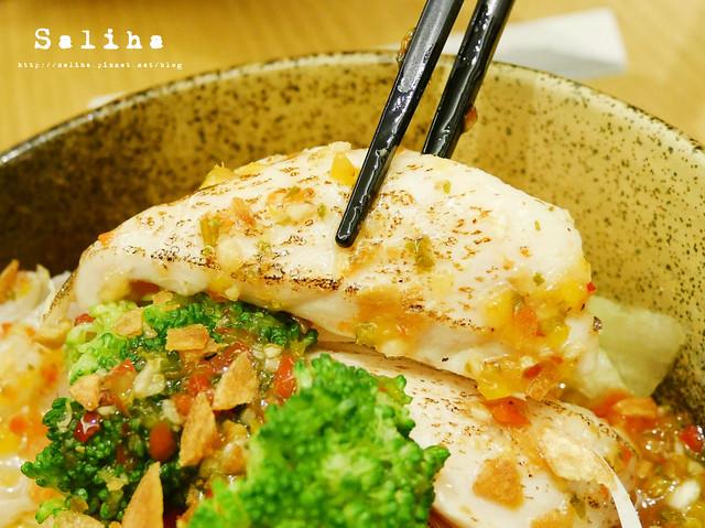 負55生魚片丼 (5)