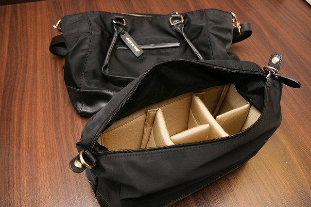 The Aide de Camp Valencia camera travel tote is sturdy, versatile and well thought out