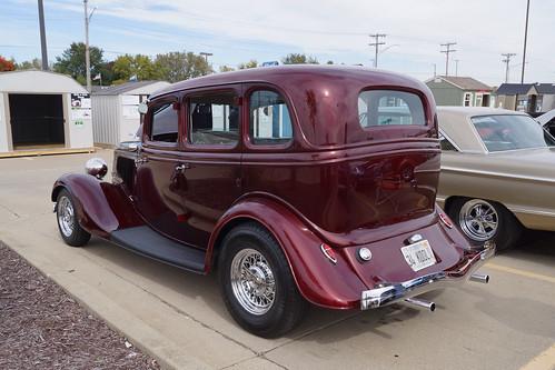 1934 Ford Model 40 Deluxe Fordor Sedan (3 of 3)