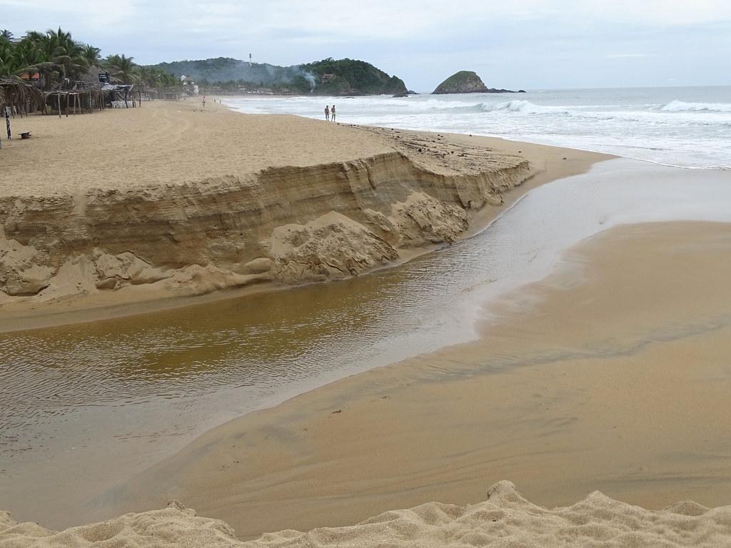 Beach Scene - Zipolite - Oaxaca - Mexico - 04