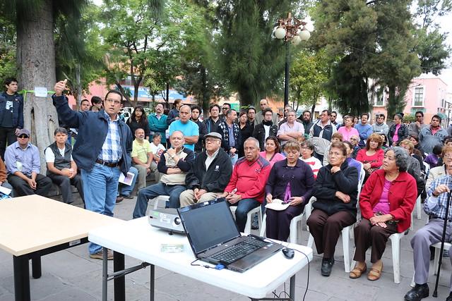 Ayuntamiento pacta con vecinos no talar arboles del Jardín Colón