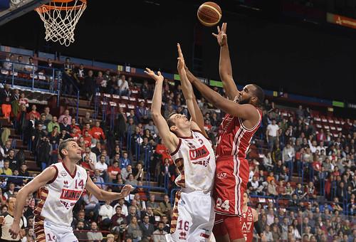 L'Olimpia comanda contro Venezia e vince 80-71