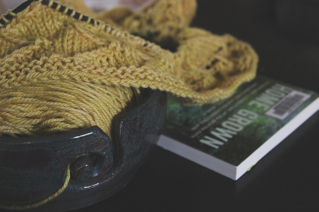 yarn along......