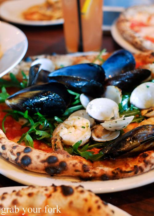 Seafood pizza at 400 Gradi, Brunswick