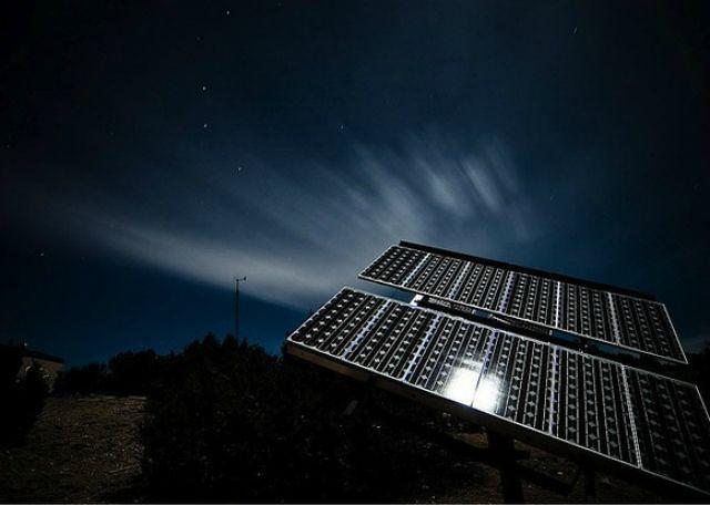 1_energia solar noche diarioecologia.jpg