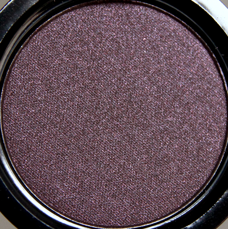 Claudia royal fuchsia eyeshadow single1
