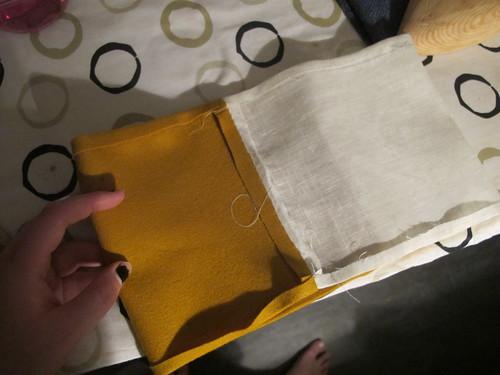 Medieval textile purse - 3