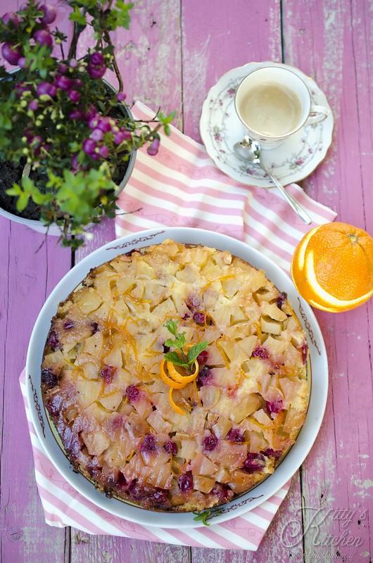 Torta rovesciata di mele e cranberries