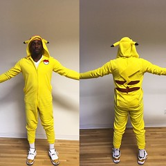 October 31, 2016 - 17:50 - I don't dress up for Halloween, but when I do, there's typically a prize and/or trophy involved.   #halloween #halloweencostume #toronto #ontario #canada #costume #yellow #closingceremony11s #closingceremony #jordan11 #jumpman23 #jumpman #nike #sneakers #