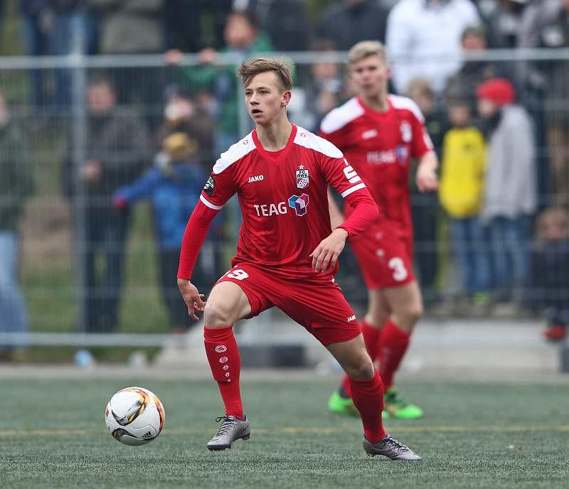 12.11.2016  FSV 06 Eintracht Hildburghausen vs. FC Rot-Weiss Erfurt  1-7, Foto: Frank Steinhorst-Pressefoto