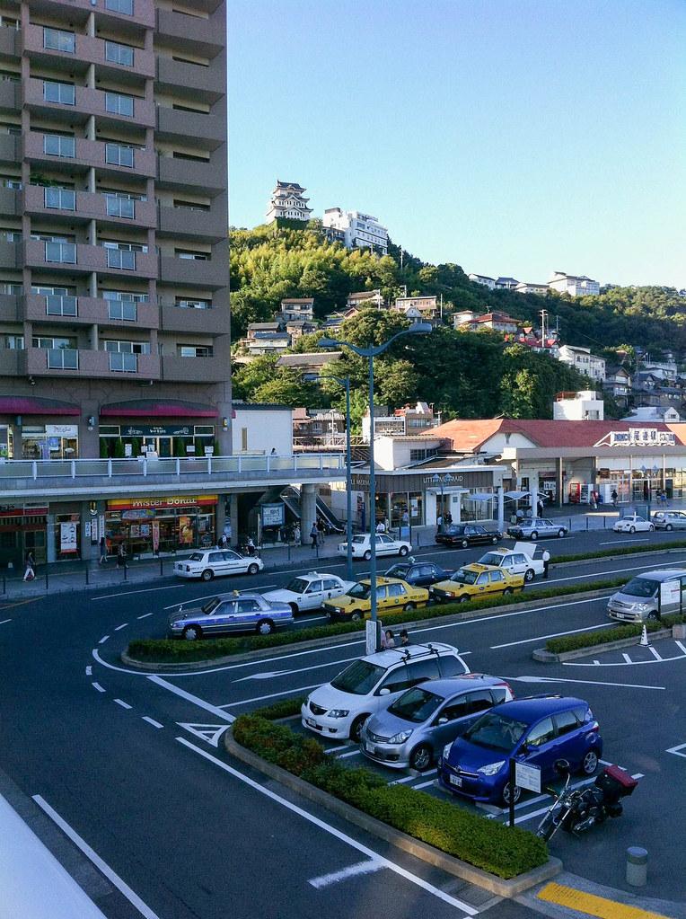 尾道駅から見る尾道城はかっこいい