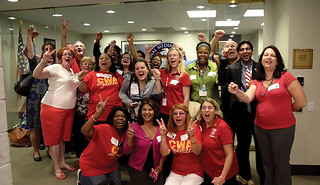 Passenger Service Agents at American, US Airways Vote Big for CWA Representation - CWA News Fall 2014