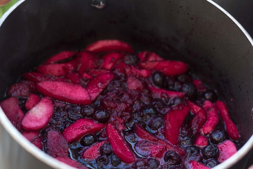 Recipe for Homemade Blueberry and Apple Jam
