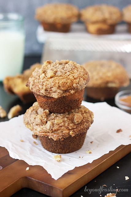 Pumpkin Muffins with Brown Sugar Streusel | beyondfrosting.com